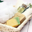 洗顔石鹸、洗顔ネット、アロマオイル